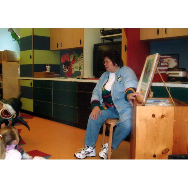 2006 - Louise in Story Hour